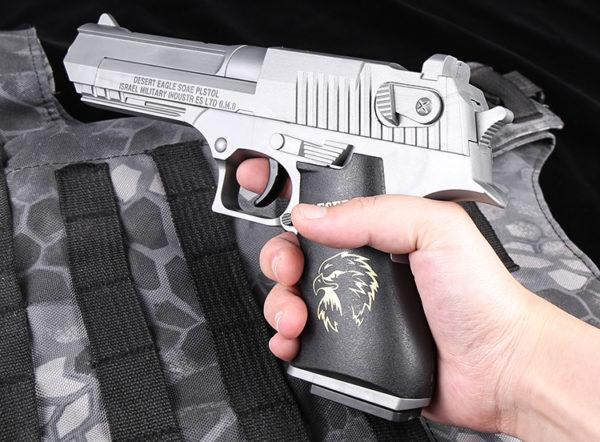 súng lục bạc đạn thạch