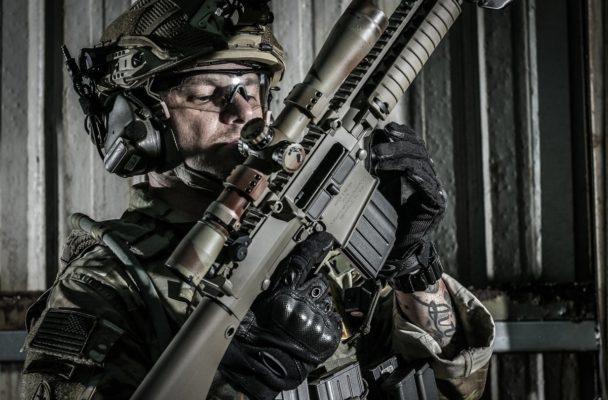 súng bắn đạn thạch m110